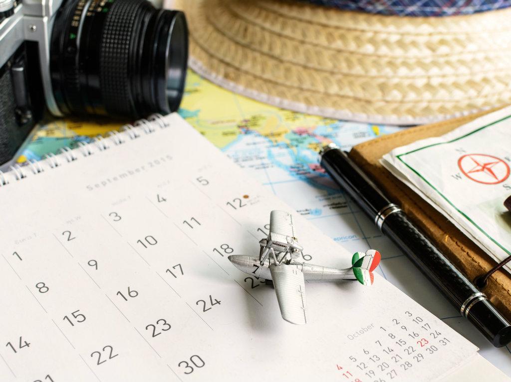 calendar and map