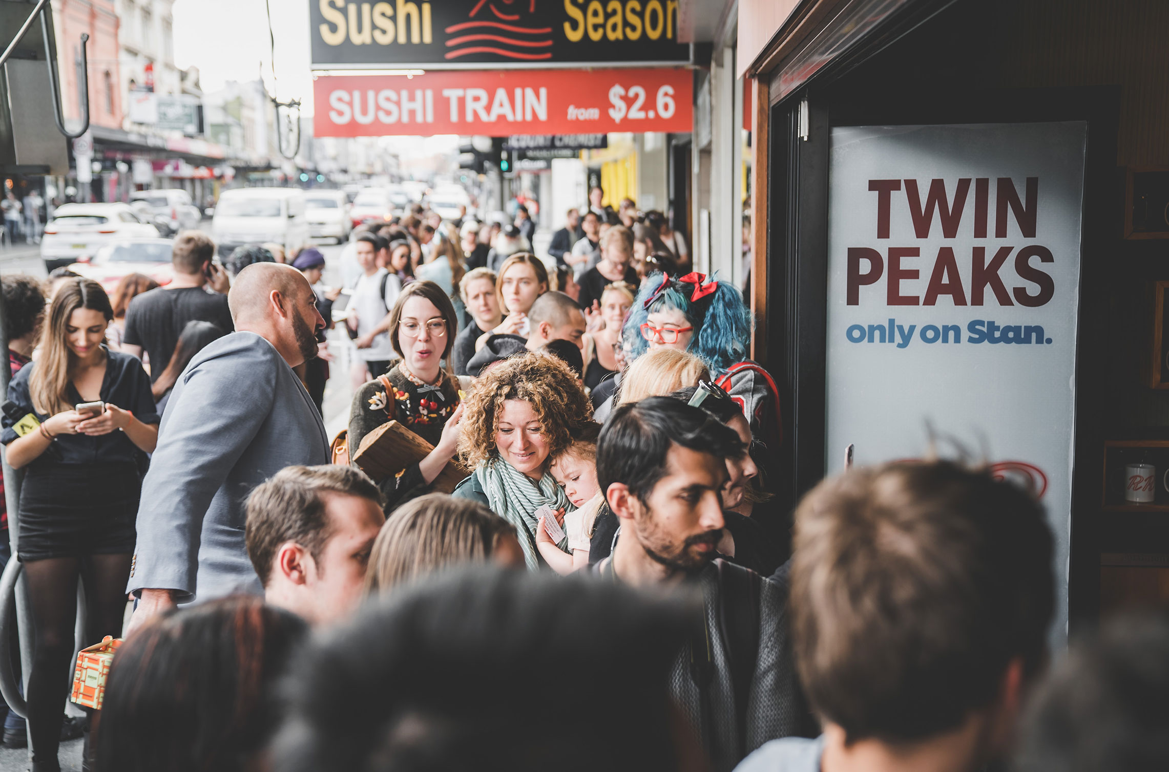 The queue at Newtown before the Messina Twin Peaks Diner opened