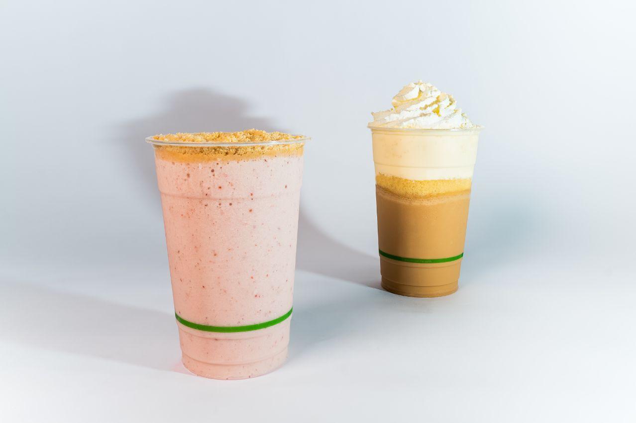 October Milkshakes: Tres Leches and Strawberry Cheeseshake