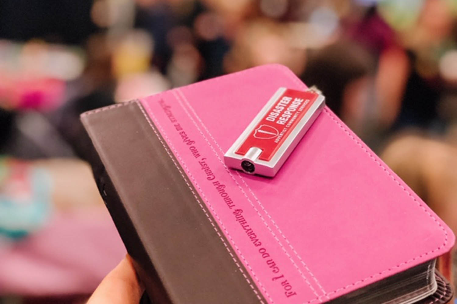 Hundreds of Bibles Handed Out at the PDX Women's EXPO