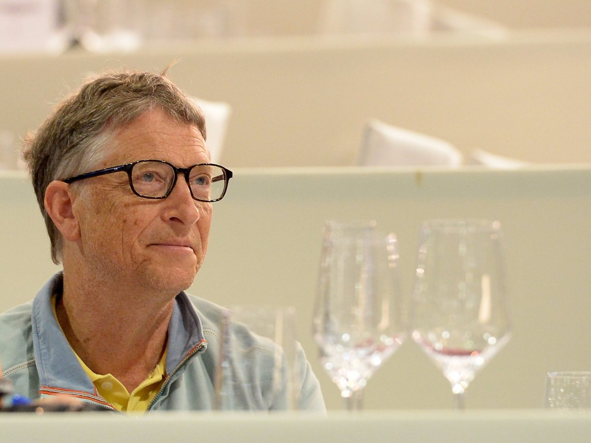 How Bill Gates keeps his email, life, and reading list in check