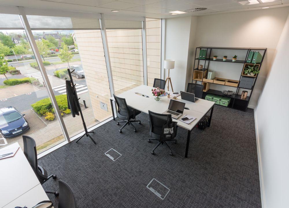 lightyear-office-meetingroom