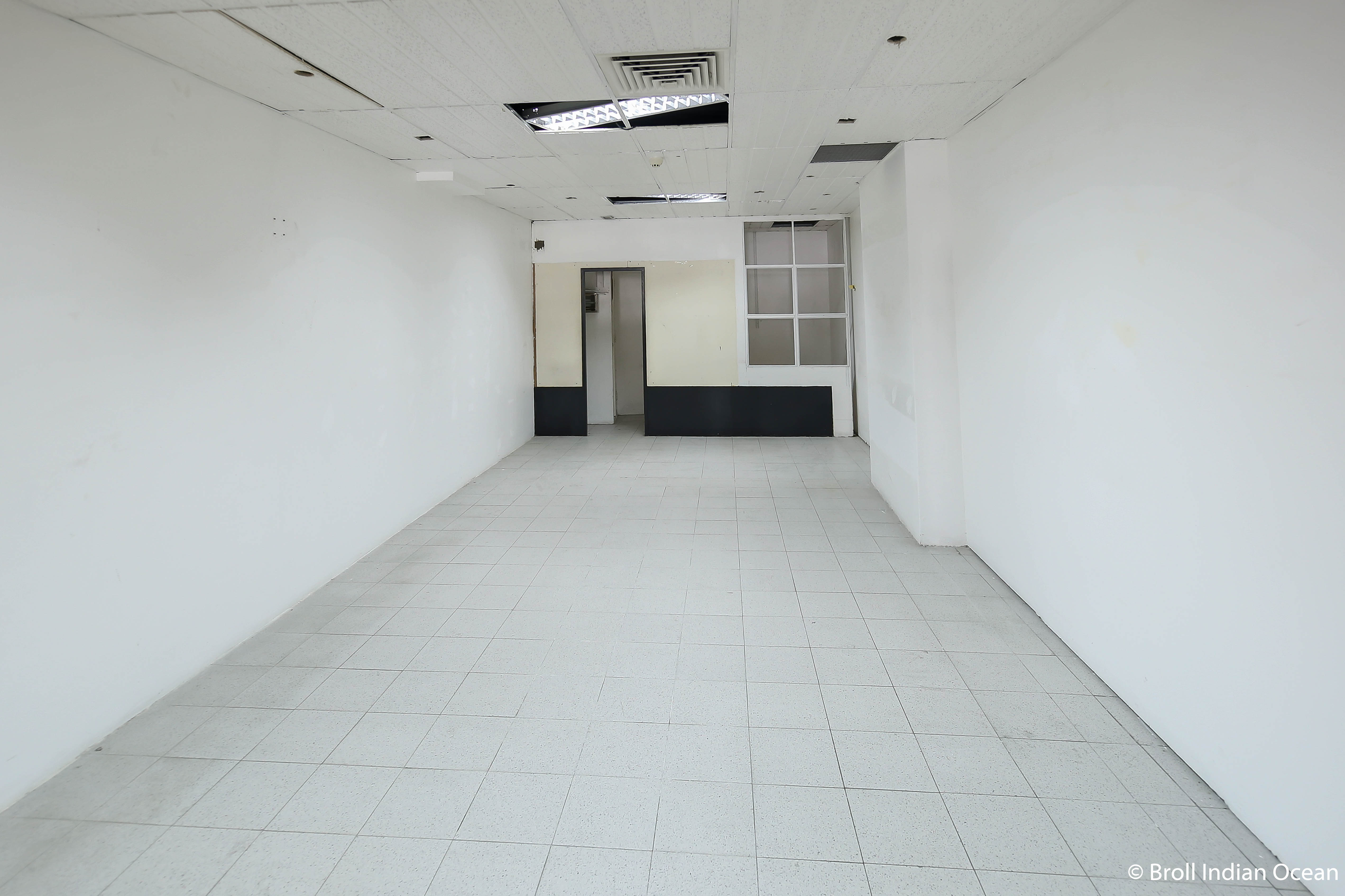 Commercial space for rent - Ground Floor - Happy World House - Retail space 1