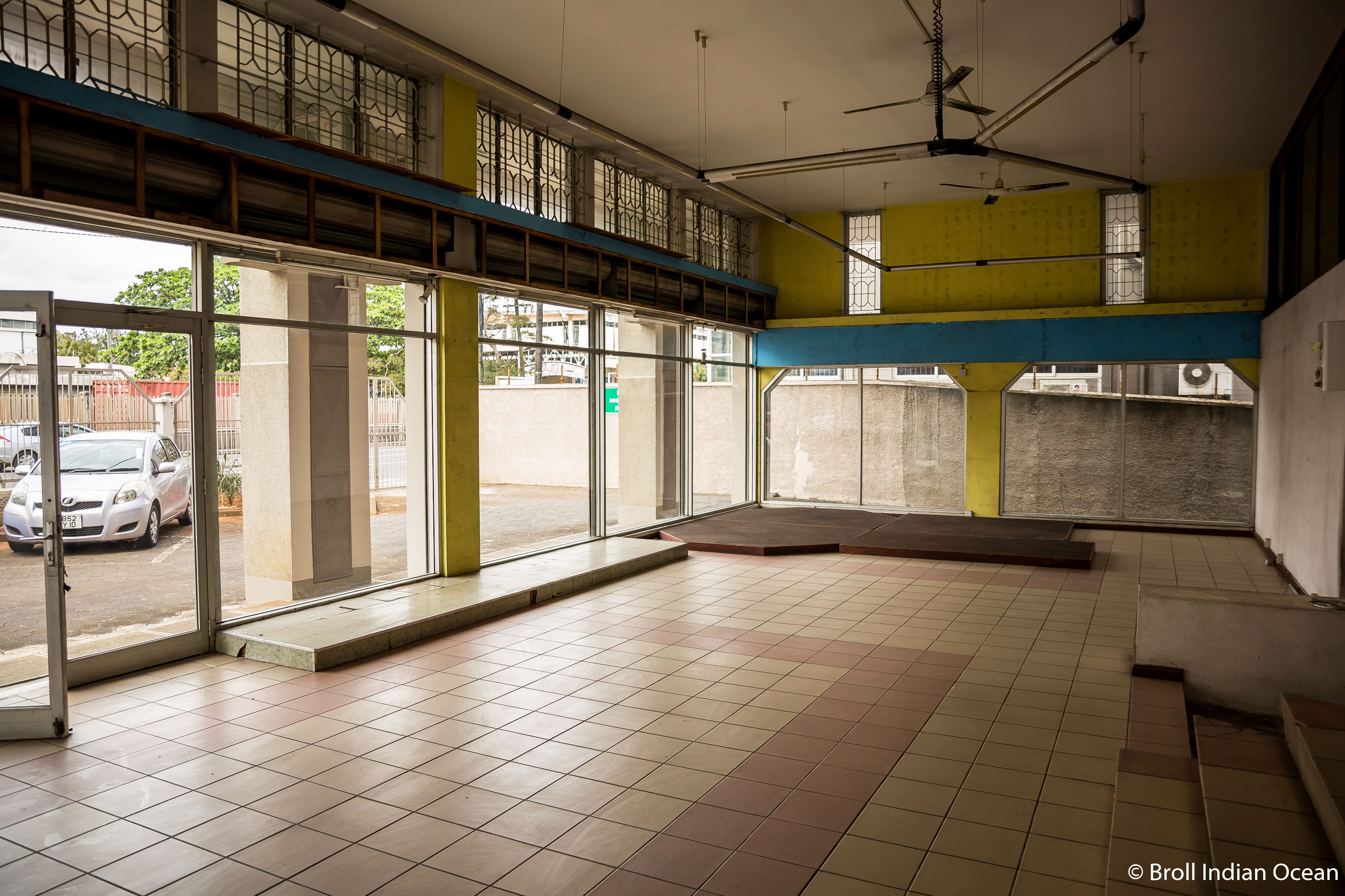 Showroom for rent in Cassis, Port Louis