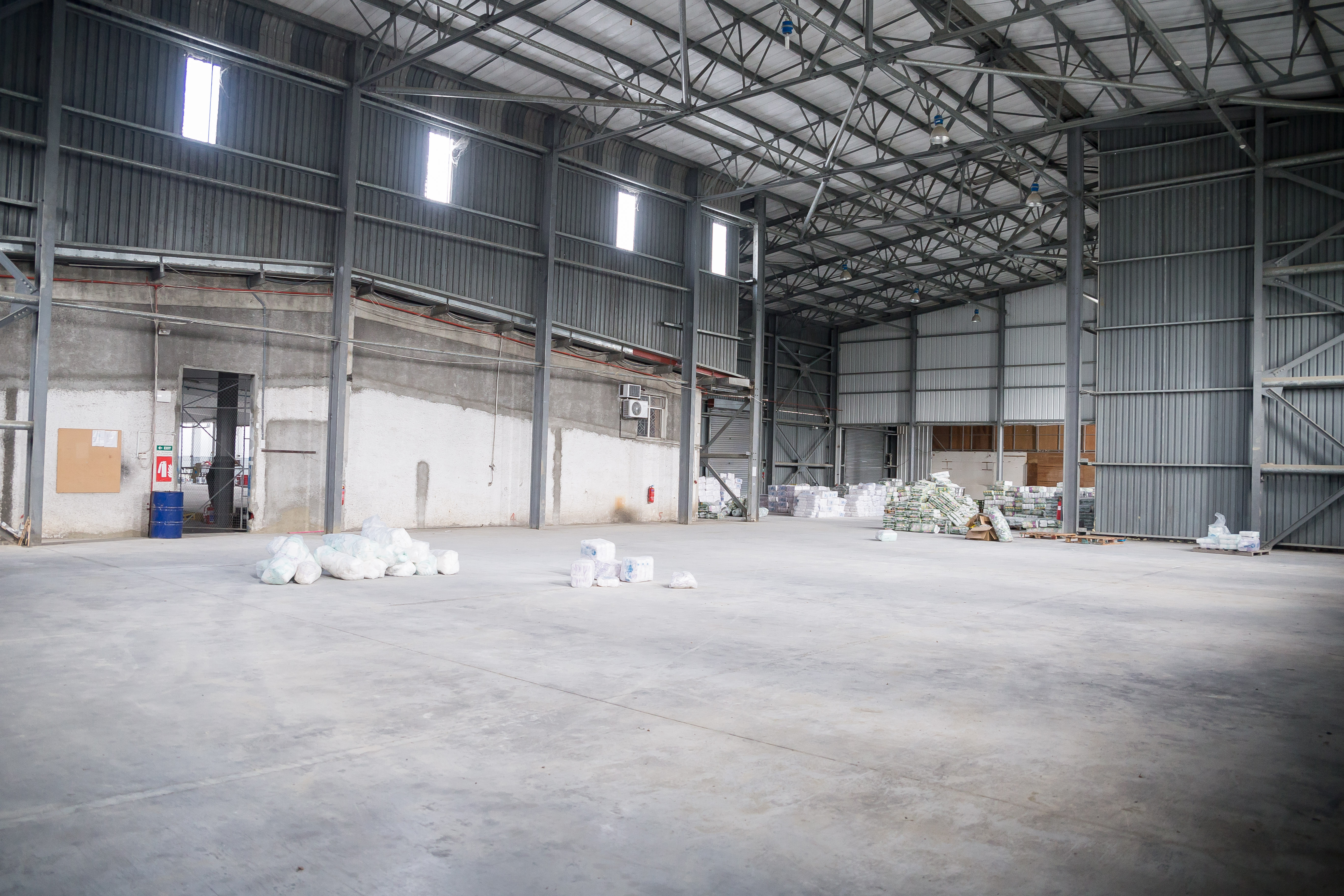 Warehouse for sale in Trianon