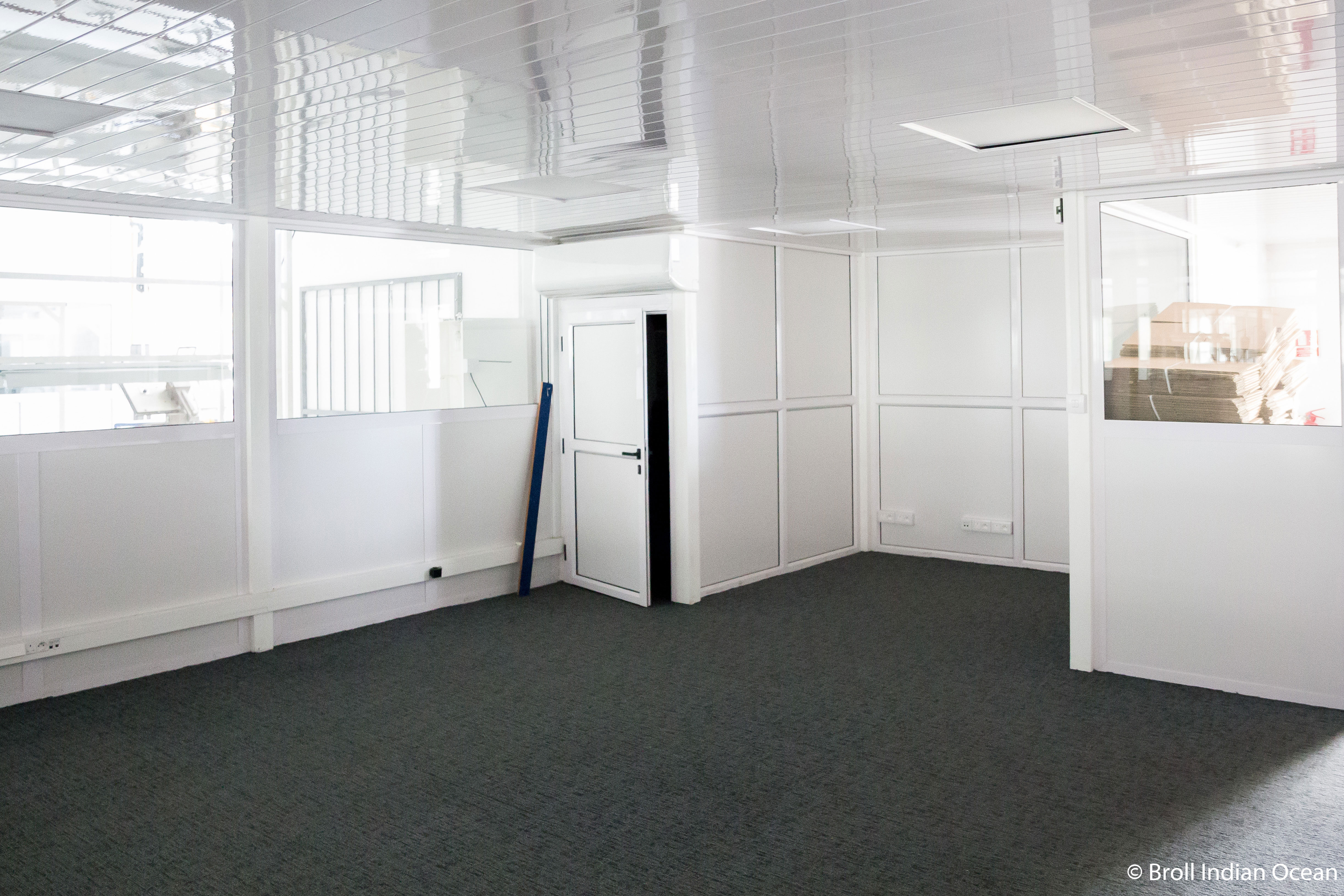 Factory and office space for rent in Arsenal