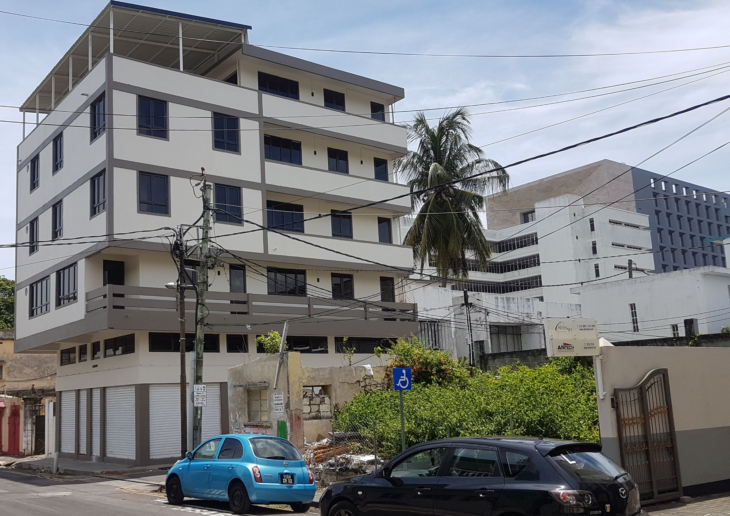Ground Floor Commercial Space for Rent at St Georges Street, Port Louis