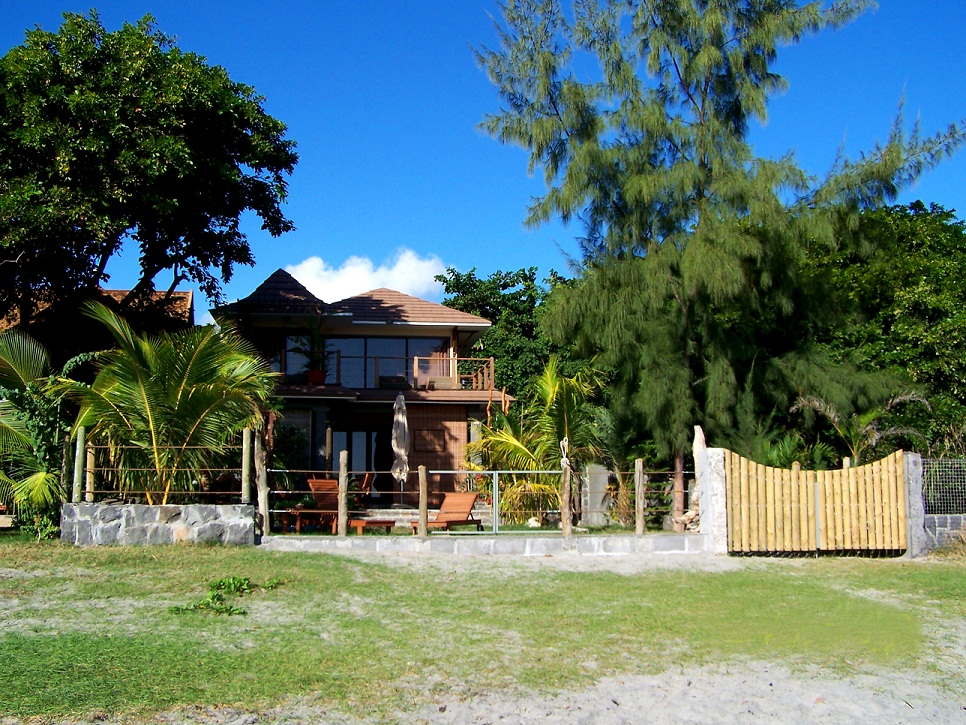 Beach Front Villa for Rent at Tamarin bay