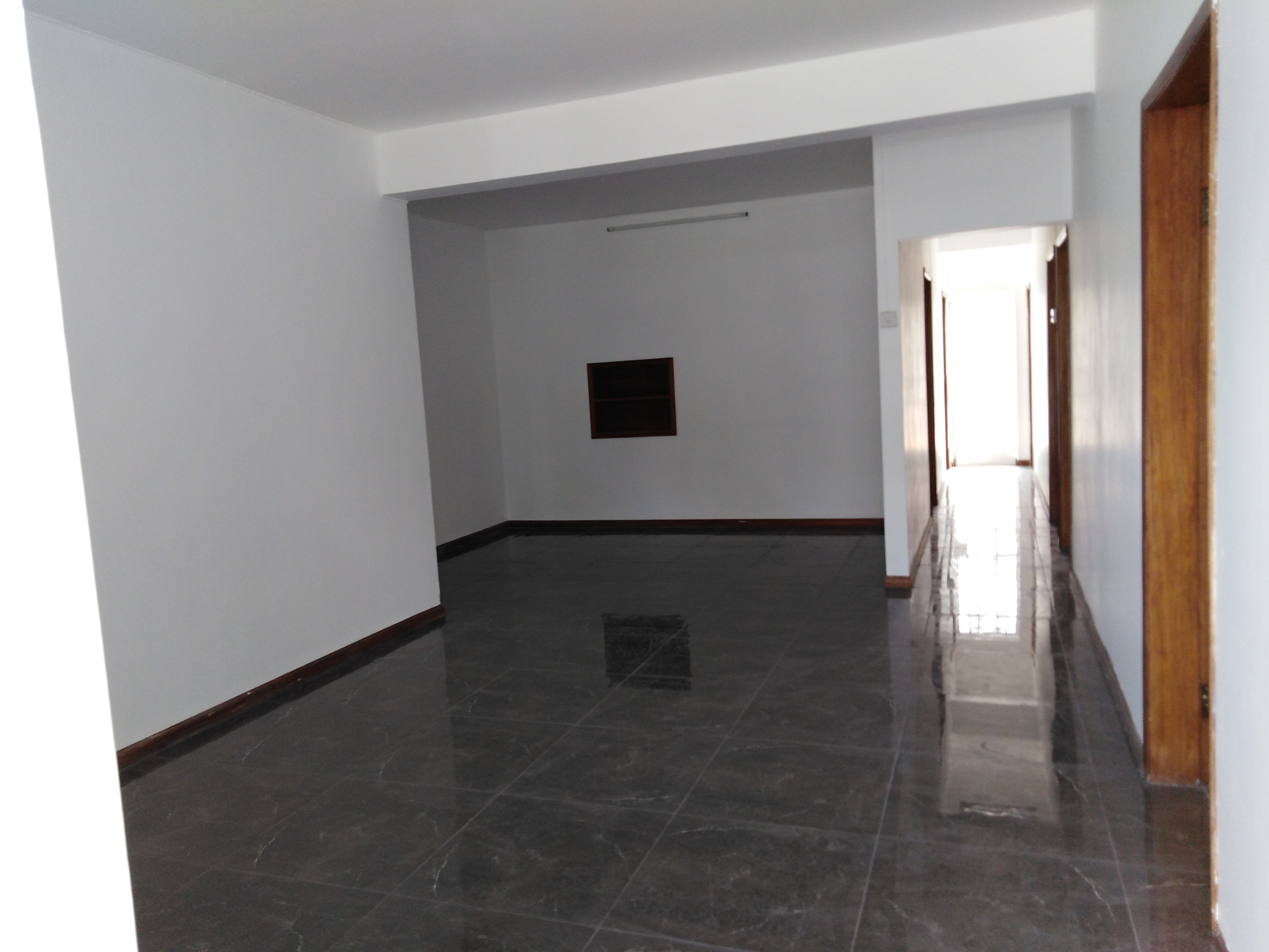 Office of 104m² for Rent - Port louis Centre