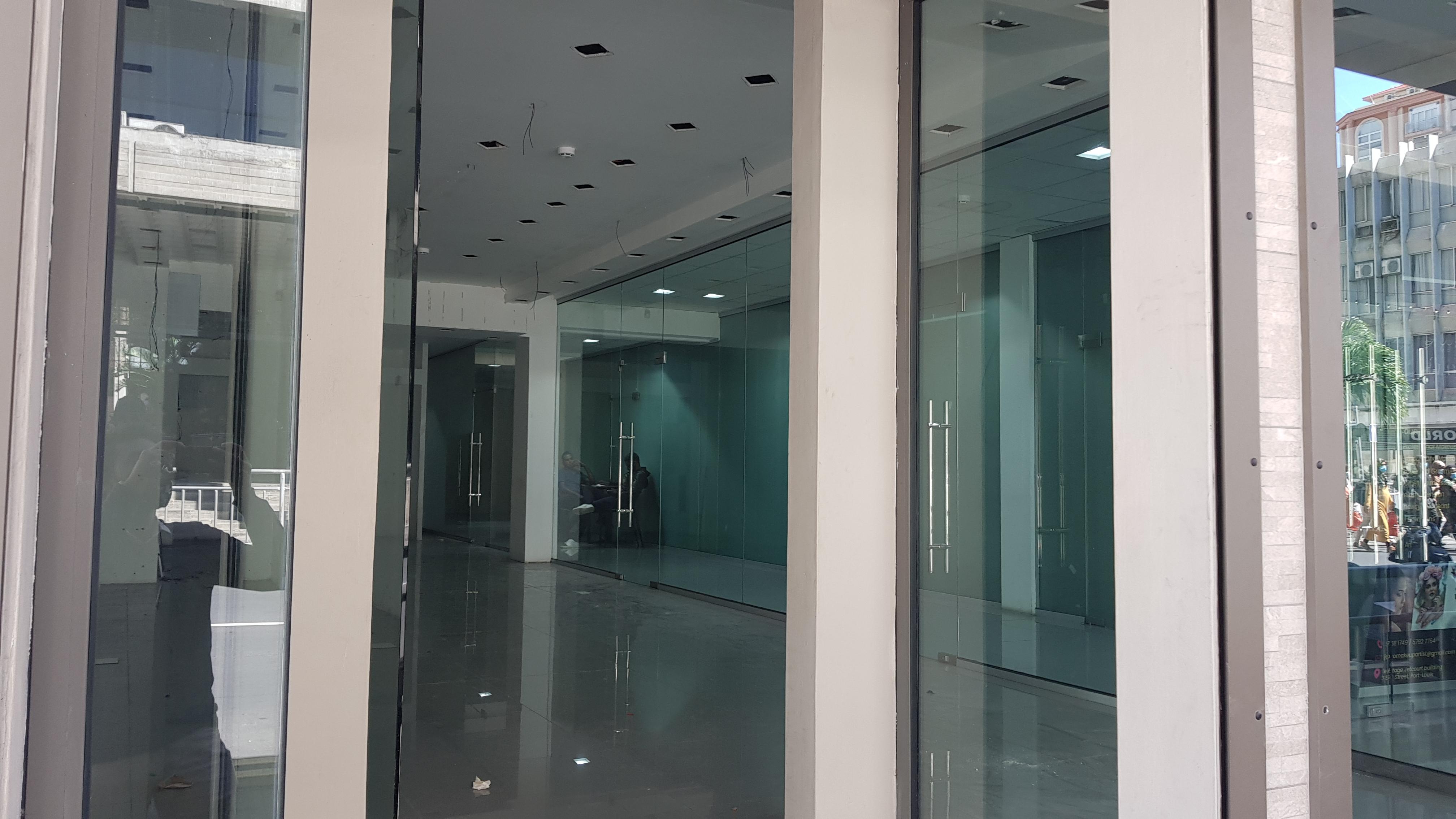 Prime Commercial Space of 77m² for rent - 3 SSR, Street (rue de Forges) Port Louis.