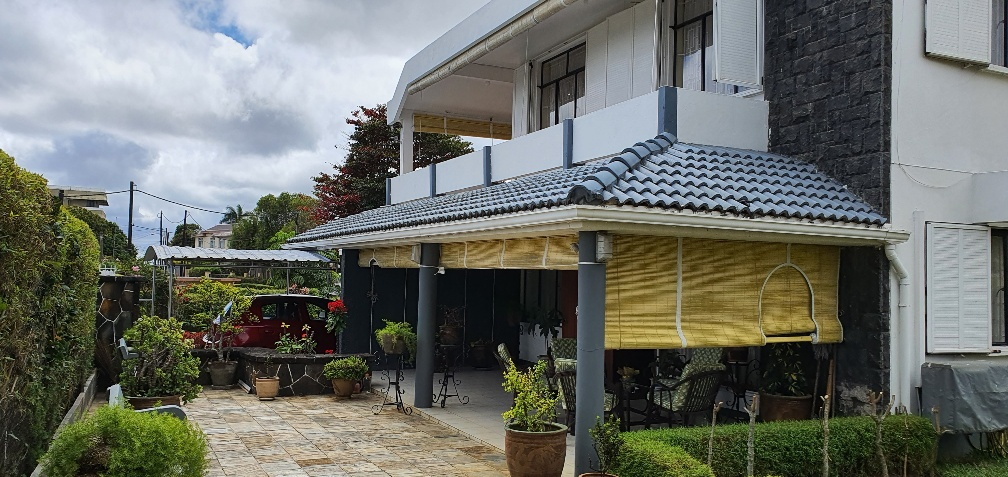 Spacious family house with beautiful garden for sale in a highly residential area -  Beau Bassin