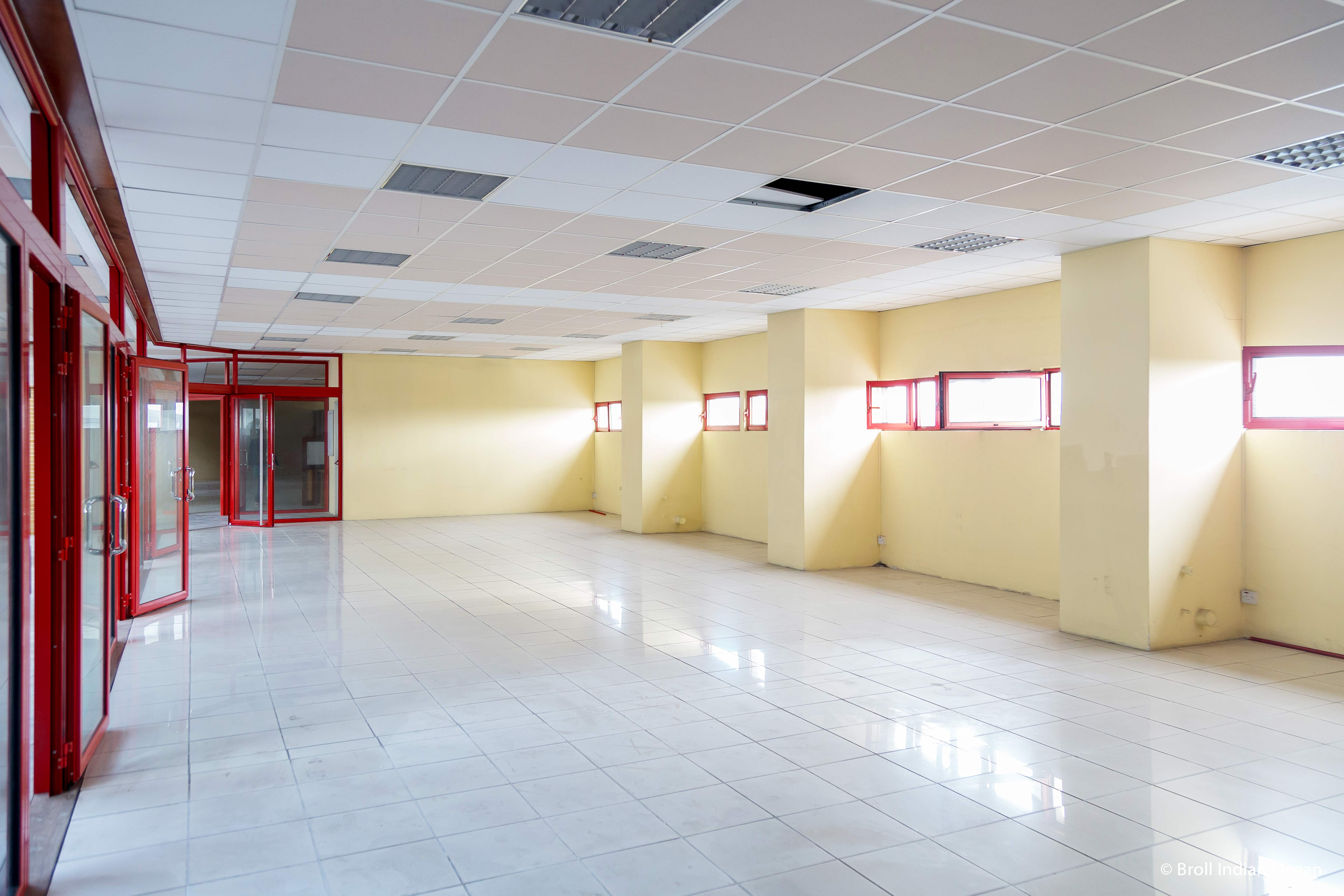Commercial space available for rent at Sunsheel Shopping Centre - Royal Road Curepipe.