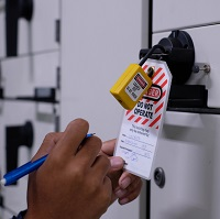 Steps for Lockout/Tagout, Industry