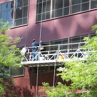 Weeklysafety.com exclusive safety meeting topic, specific to the construction industry, that is focused on raising awareness to the requirement for fall protection, minimum PPE requirements, training and falling object protection that pertain to all types of suspended scaffolds.