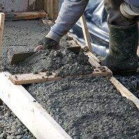Weeklysafety.com exclusive safety meeting topic specific to the construction industry that provides more information on the hazards and risks of working with concrete and safety precautions to follow to ensure worker safety.
