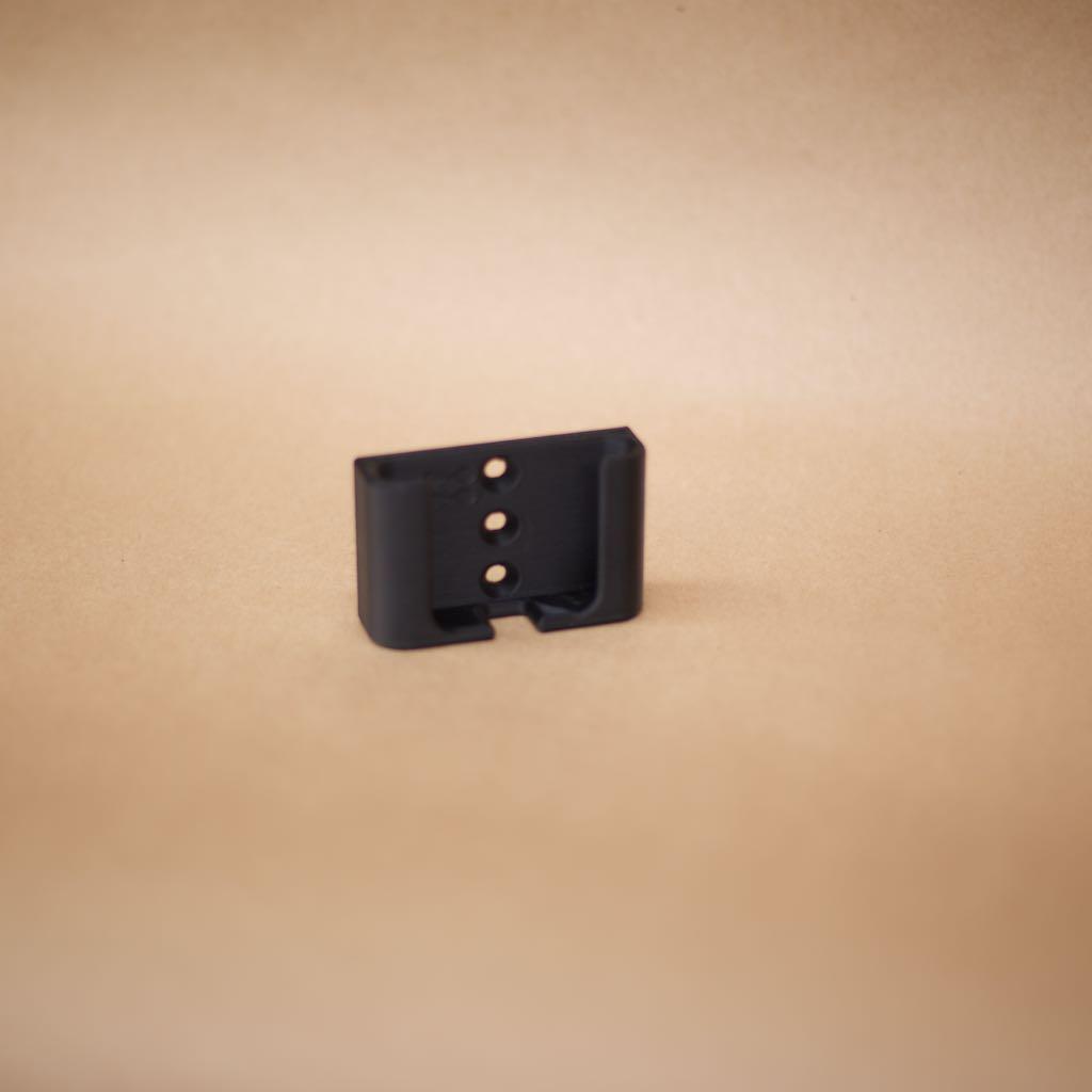 SolveFunction 3D-printed phone holder