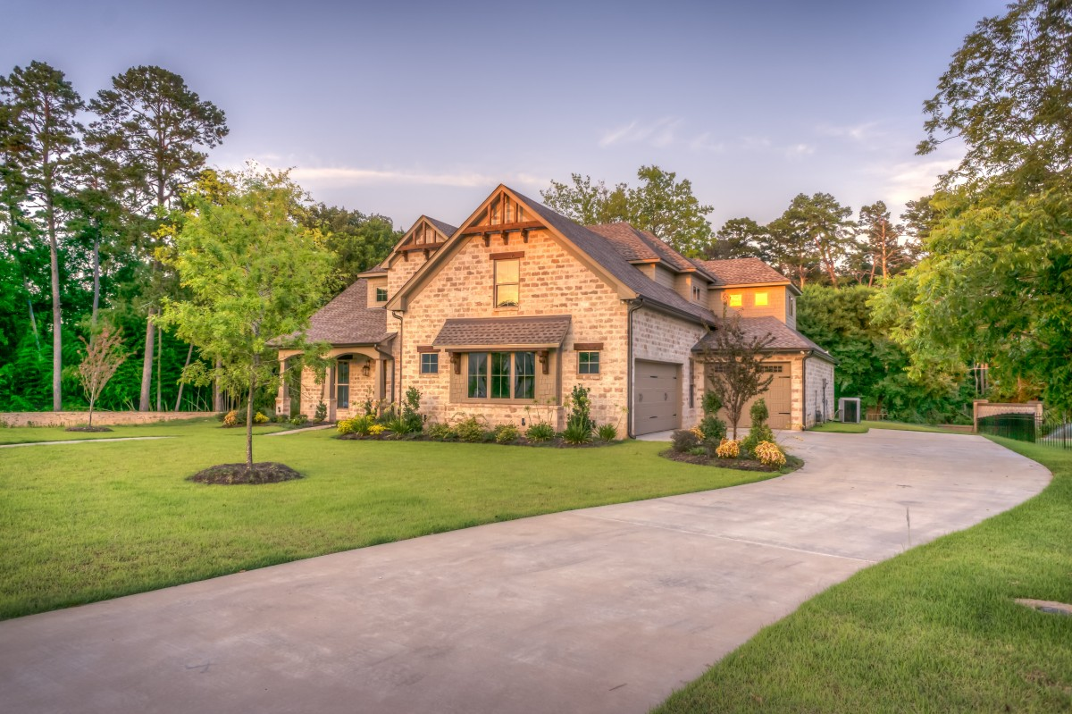 lawn villa mansion house building home suburb cottage backyard facade property exterior luxury farmhouse estate yard manor house real estate residential area