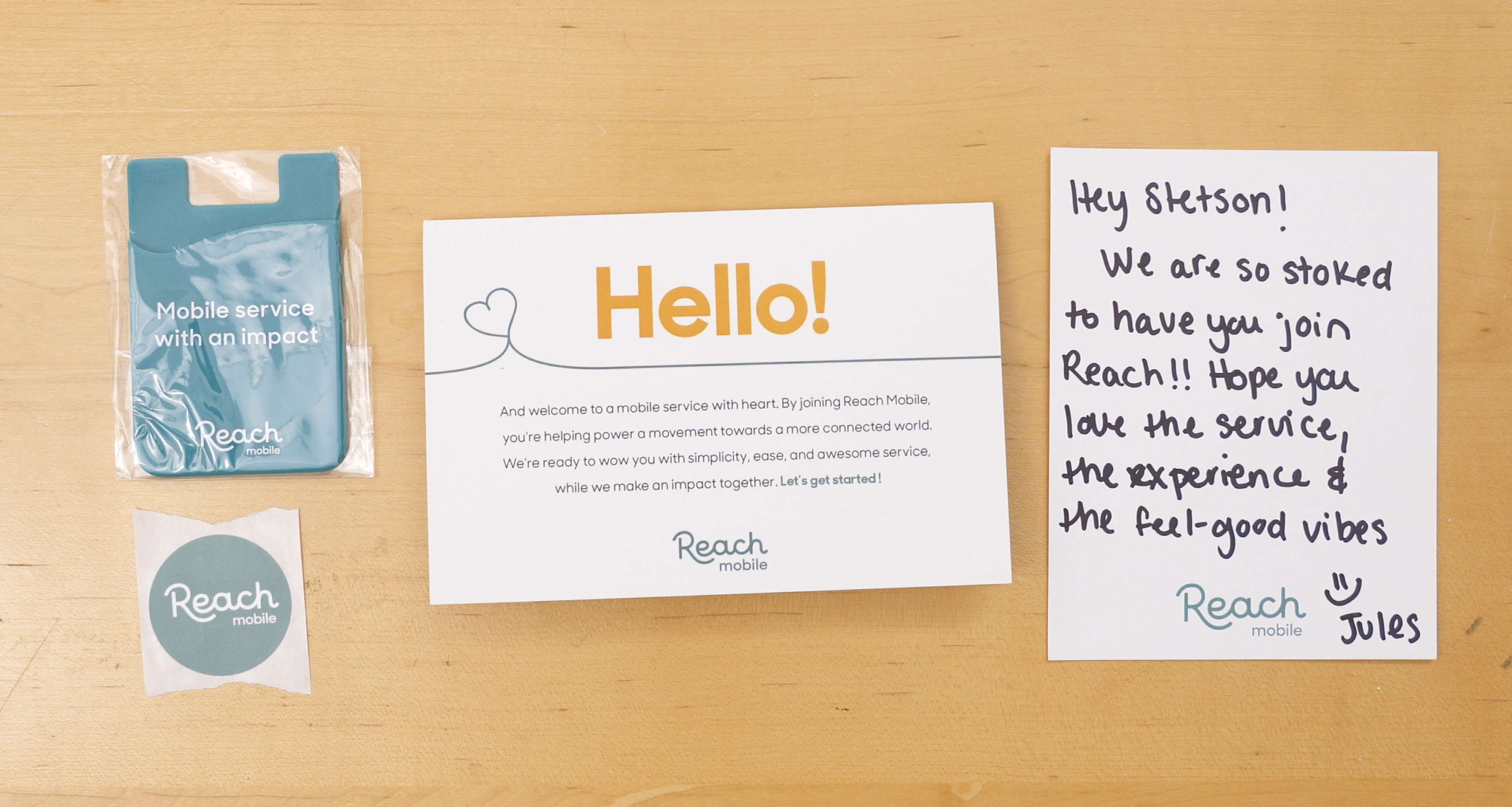 Reach Mobile activation kit and handwritten note welcoming me to the Reach Mobile network