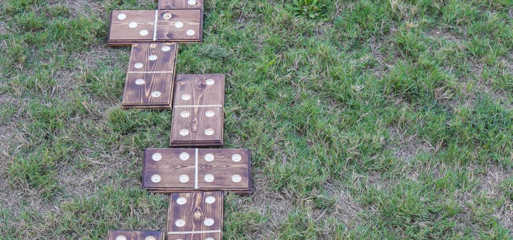 lawn dominoes