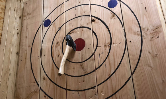 axe throwing bullseye