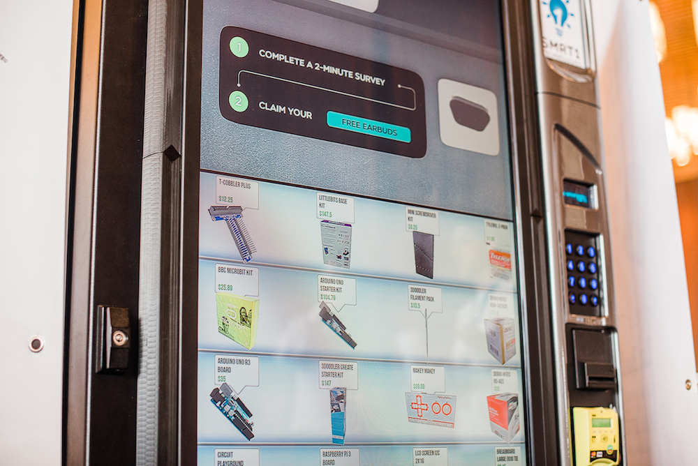 interactive vending machine - Intuiface software