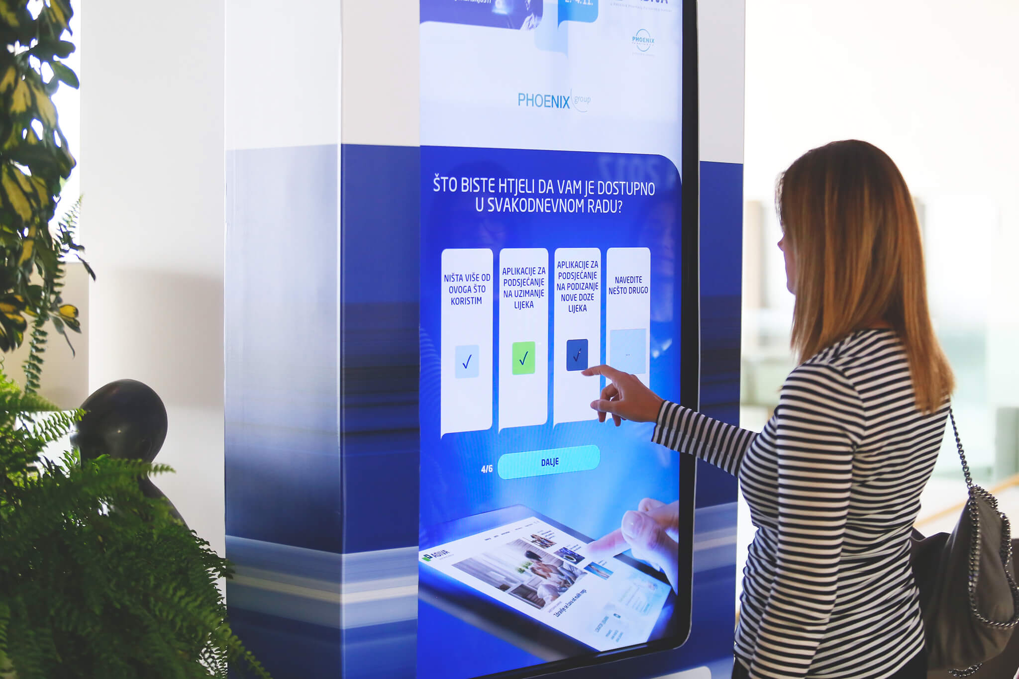 Interactive Kiosk - Intuiface Software