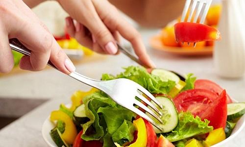 Người bị nổi mề đay nên ăn gì, uống gì tốt và hiệu quả nhất ?