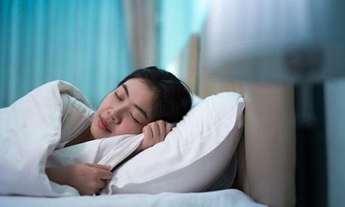 Bị nổi mề đay vào buổi tối, ban đêm phải làm sao, chữa thế nào?