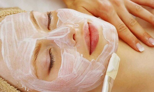 Cách trị mụn gạo quanh mí mắt, trên mặt và dưới da tại nhà