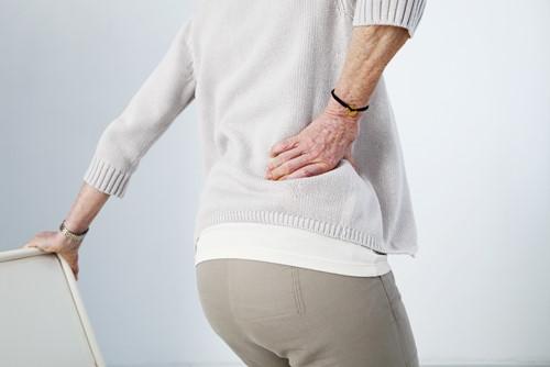 Bị đau lưng