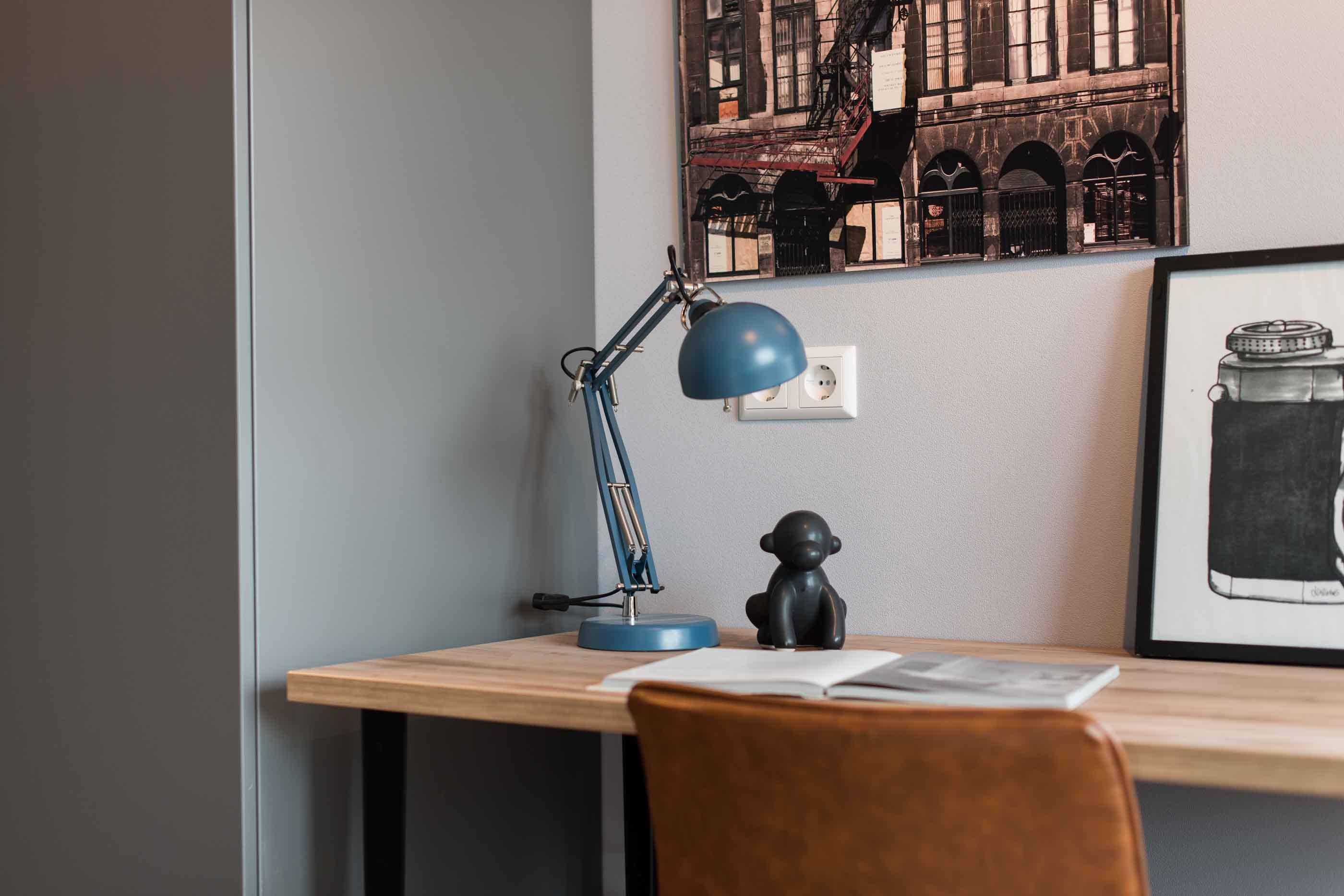 Superior Studio in OurDomain Amsterdam Diemen - detail of the desk