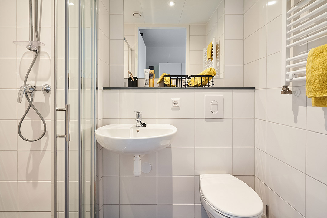 OurDomain Amsterdam South East Standard Studio bathroom
