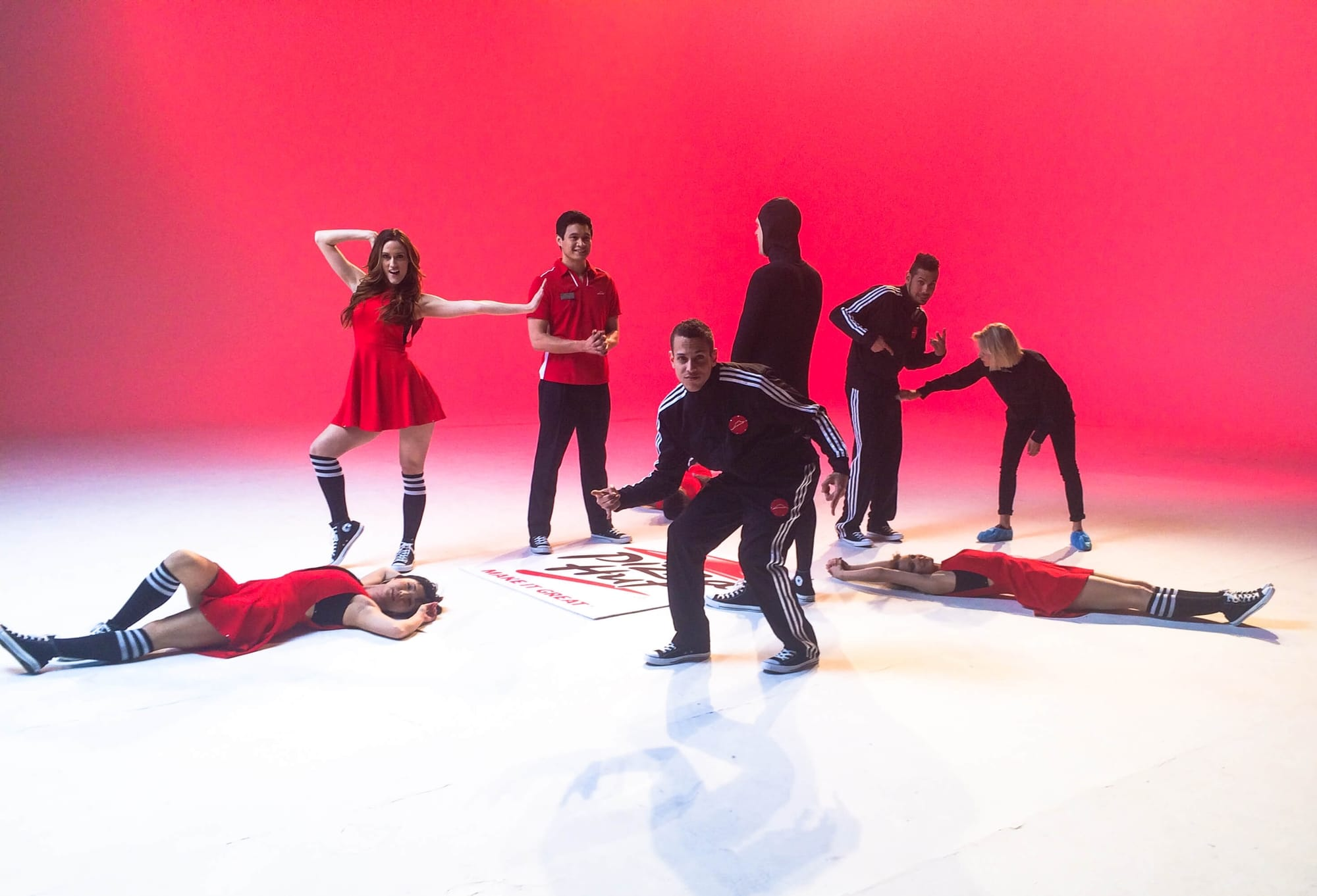 Tv-commercials-pizza-hut-asher entertainment-food-fun-set-filming-crew-cast-commercial-dancers-popping