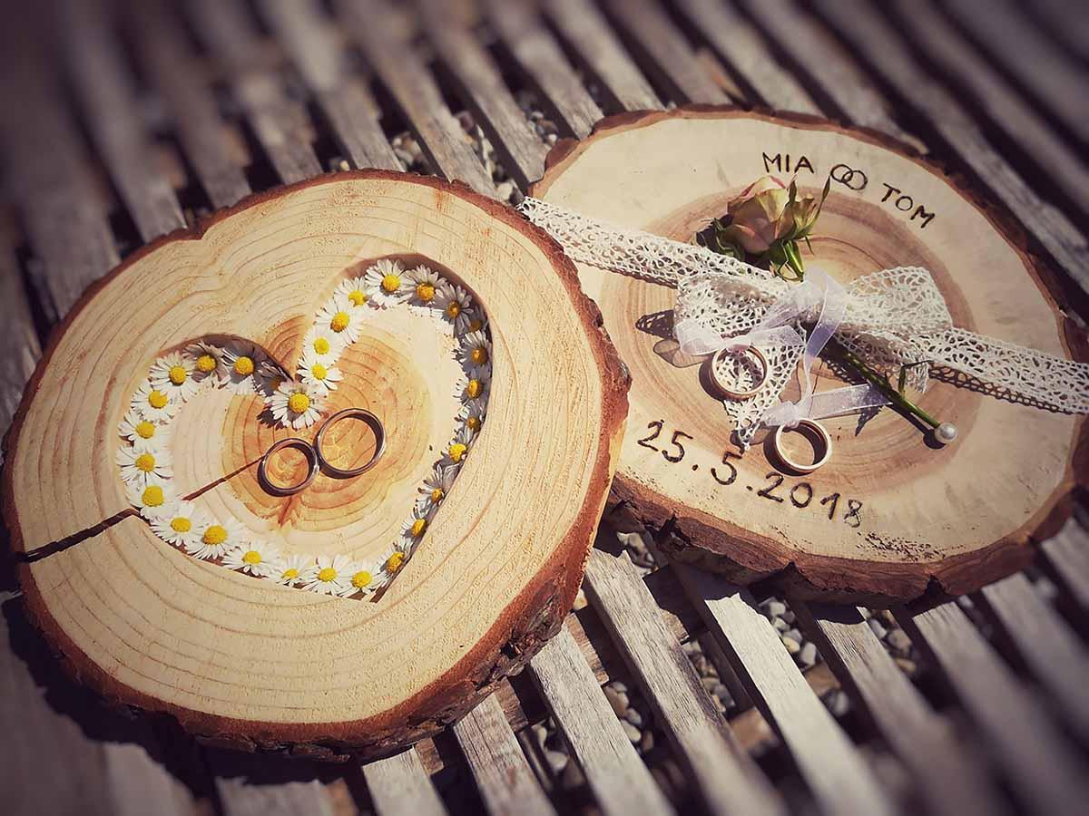 Handgemachte Hochzeitsdeko von Sabrinas Holzwerkstatt