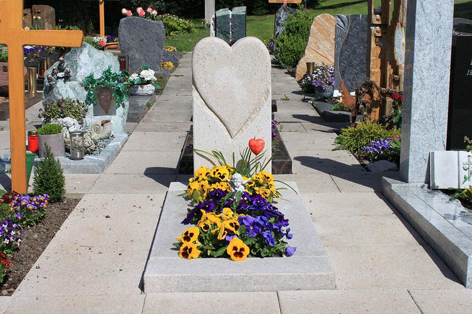 grabstein Herne sandstein Herne herz schöne günstige und moderne Grabsteine vom Steinmetz in Herne