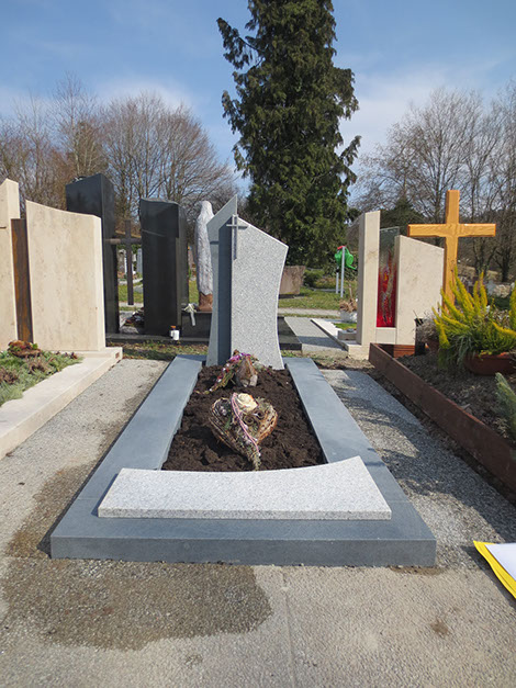 granit, Einzelgrabstein, schöne günstige und moderne Grabsteine Bildhauer Messerschmidt