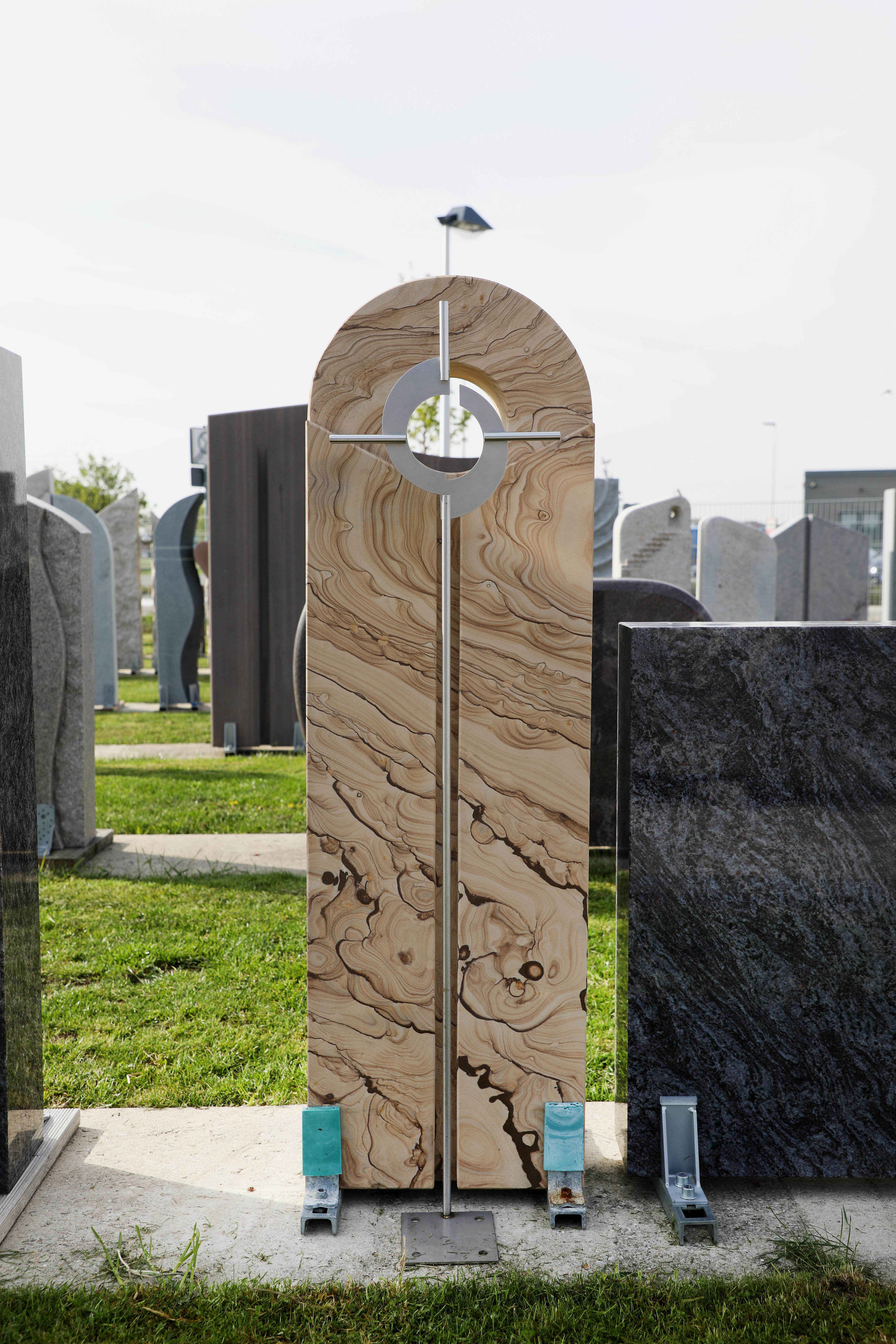schöne günstige und moderne Grabsteine Urnengrabstein aus Sandstein in Deutschland