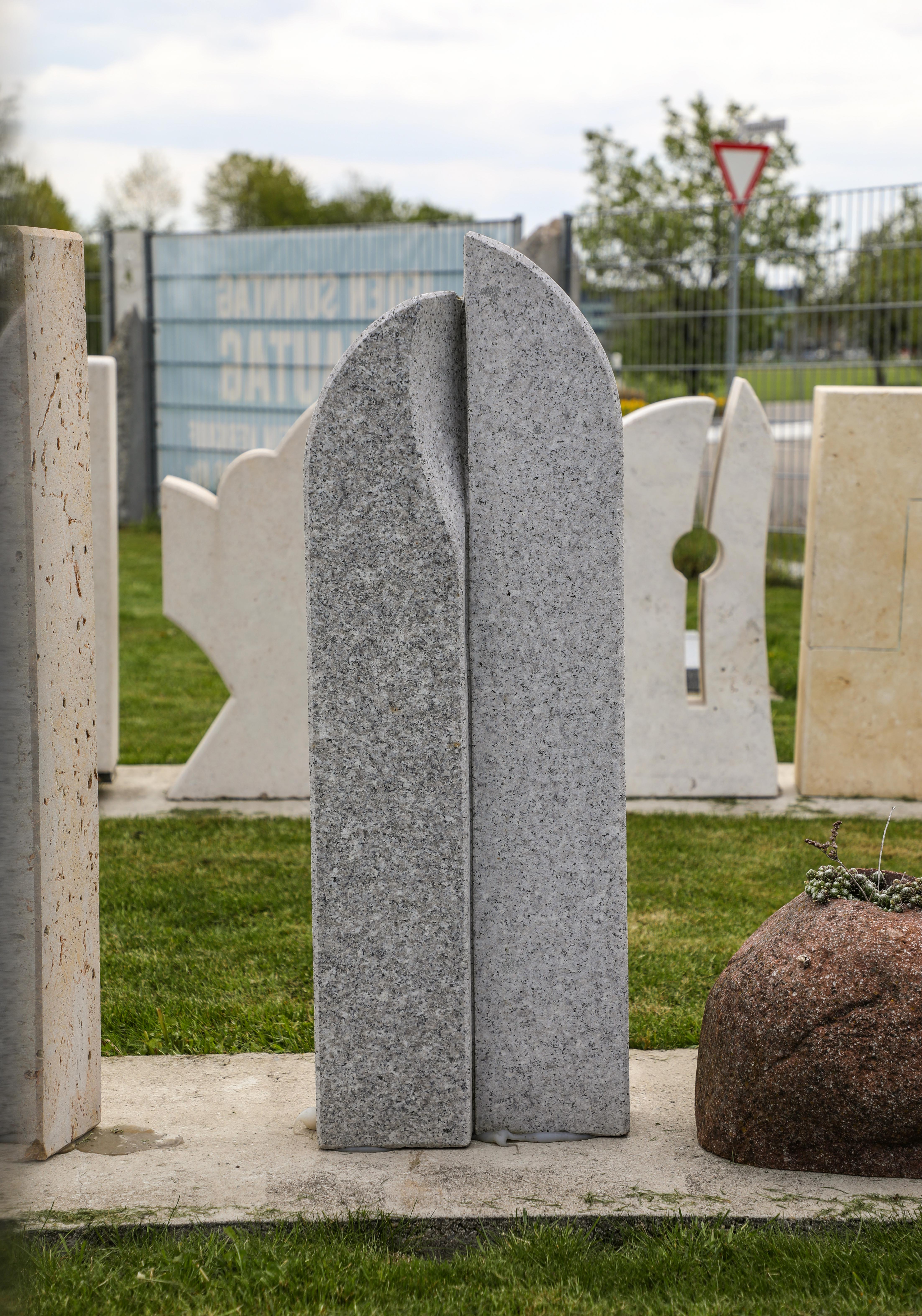 schöne günstige und moderne Grabsteine Einzelgrabstein in Deutschland