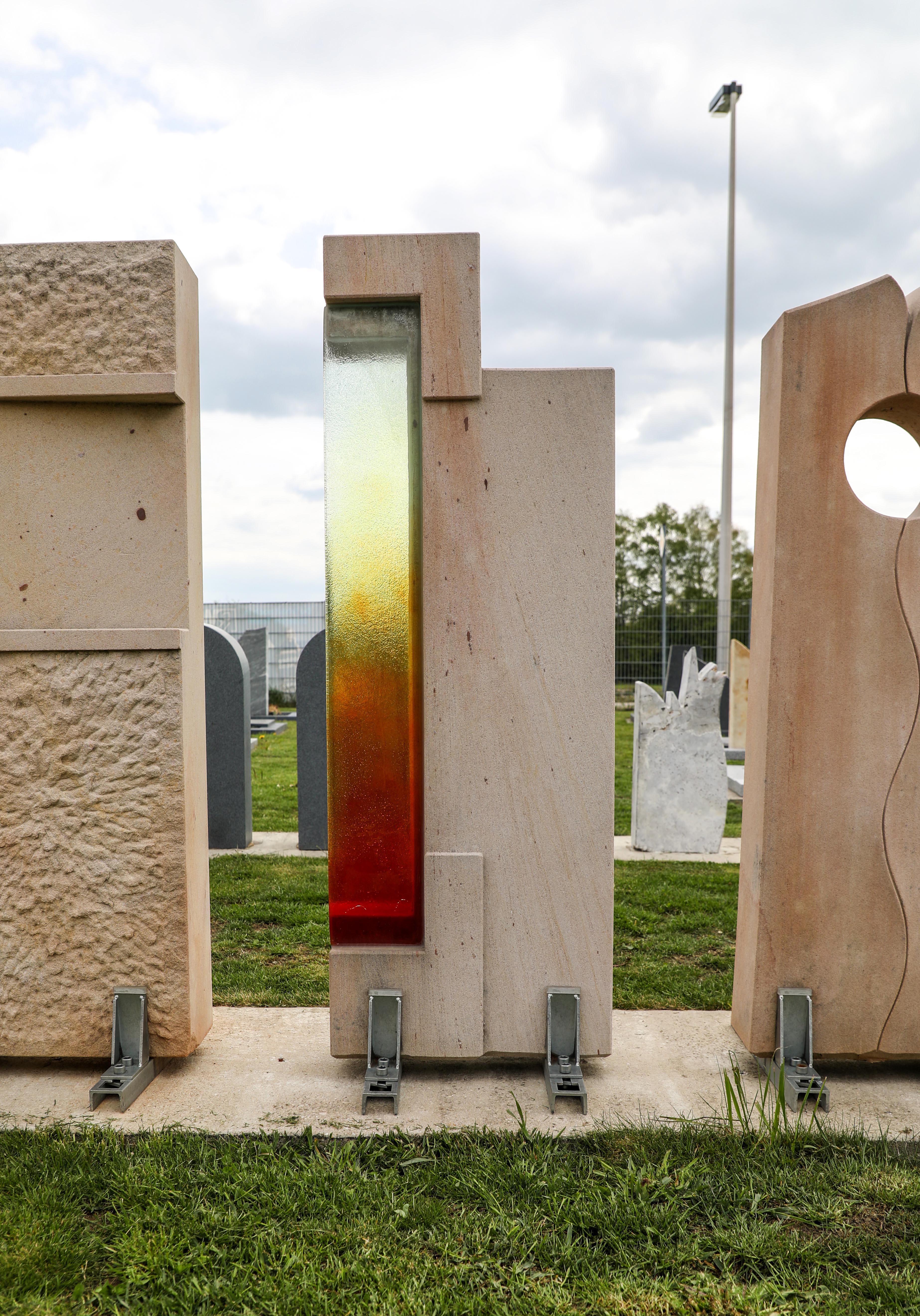 Schöne günstige und moderne Grabsteine Einzelgrabsteine