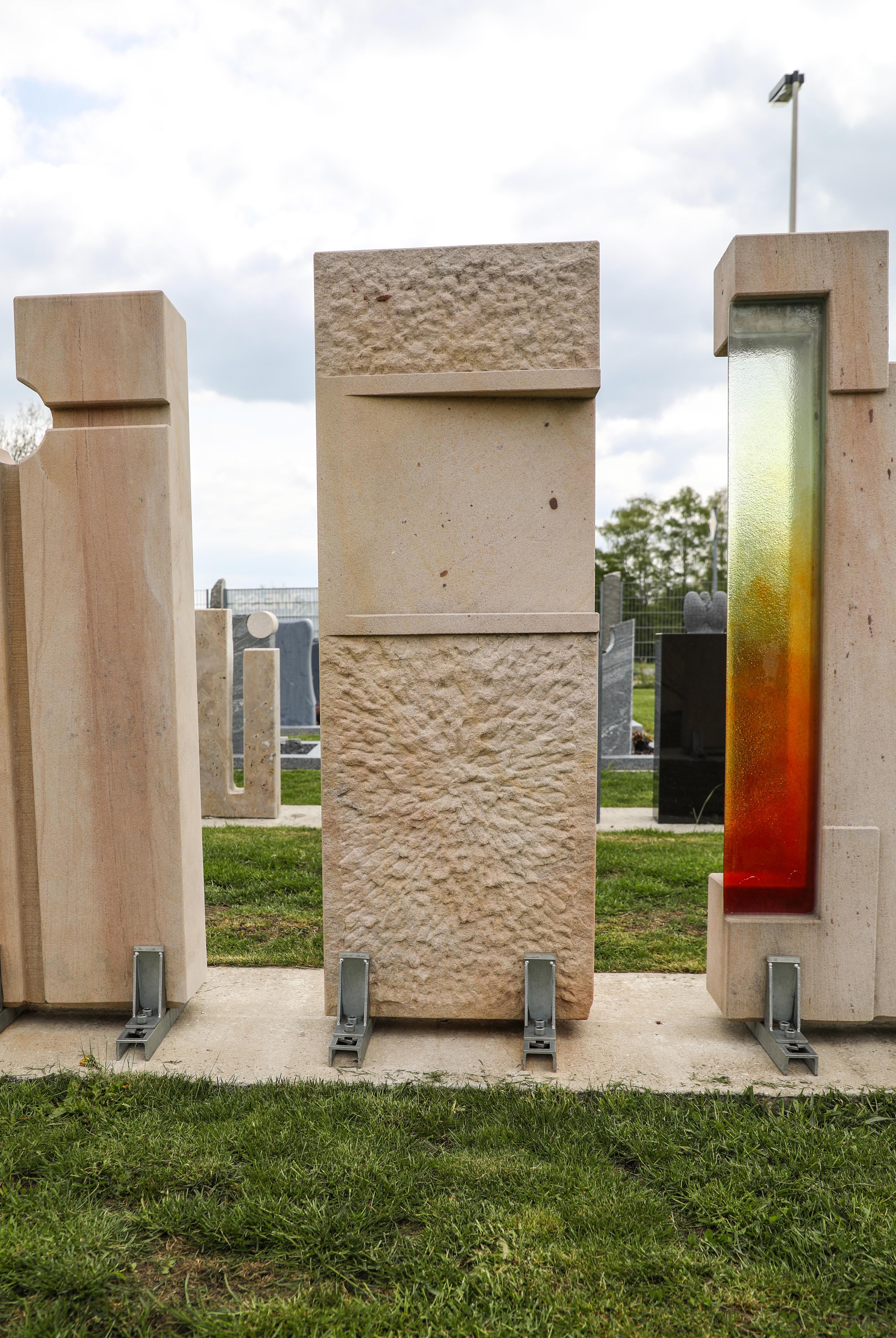 schöne günstige und moderne Einzelgrabsteine Grabstein in Deutschland produziert