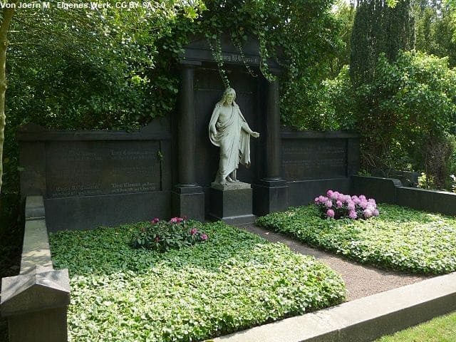 Grabmal in Bremerhaven Friedhof Lehe