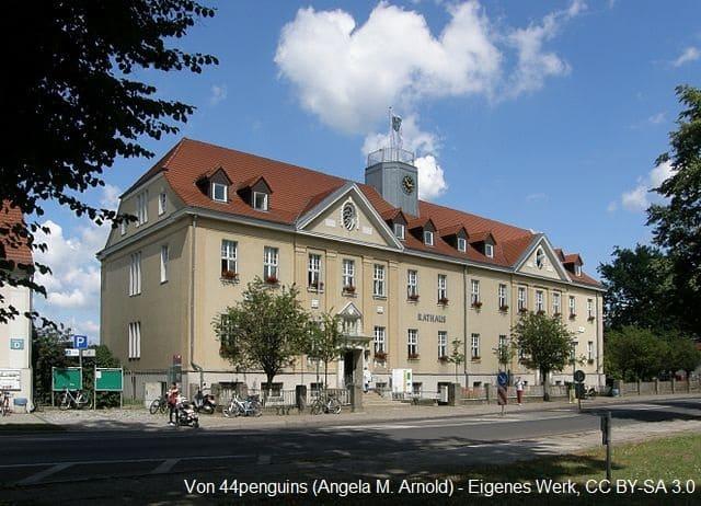 Grabsteine in Falkensee Rathaus