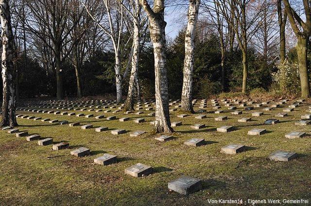 Frankfurt Grabstein auf Friedhof Westhausen