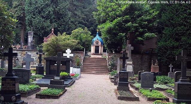 Grabsteine auf dem russischen Friedhof Wiesbaden