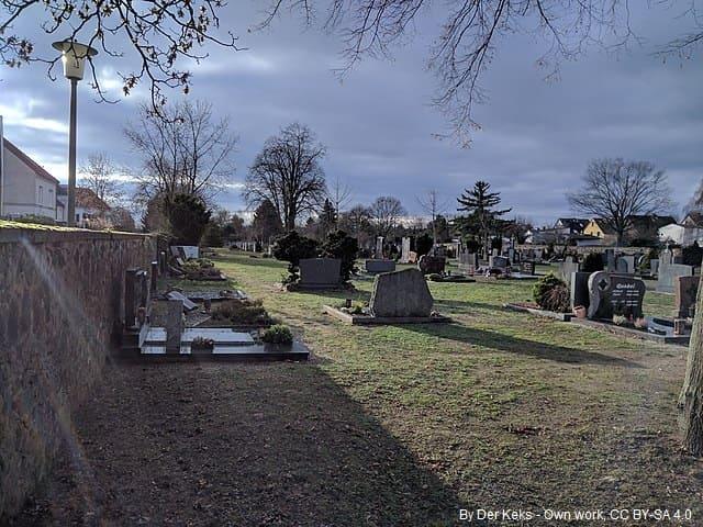 Grabsteine in Hanau Friedhof