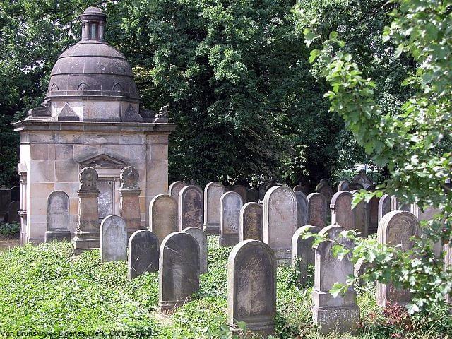 Grabsteine in Braunschweig auf jüdischem Friedhof