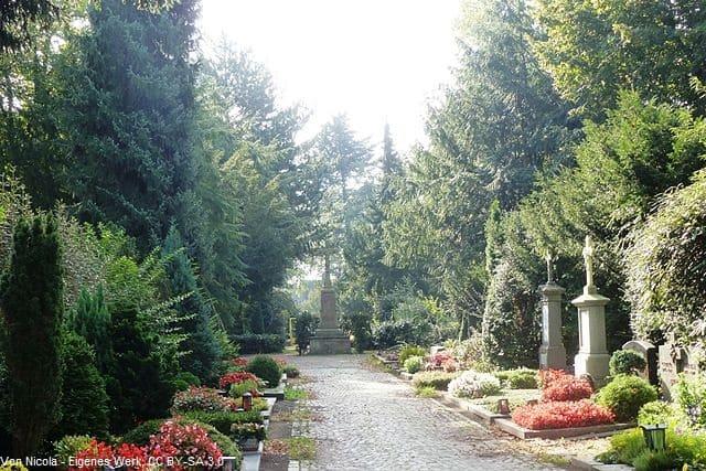 Grabstein in Köln Friedhof