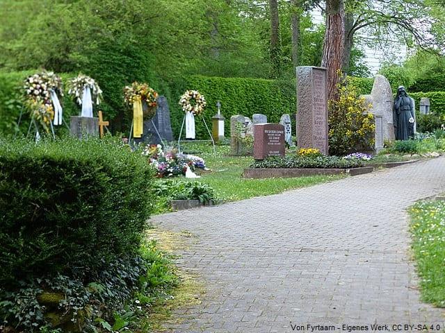 Grabsteine in Stuttgart Friedhof