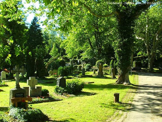 Grabstein in Tübingen Friedhof