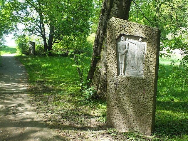 Dachau-Waldfriedhof-Gedänkstätte-Jüdisch